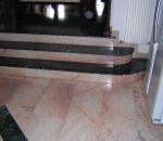scalinata-in-marmo-verde-guatemala-e-rosa-portogallo